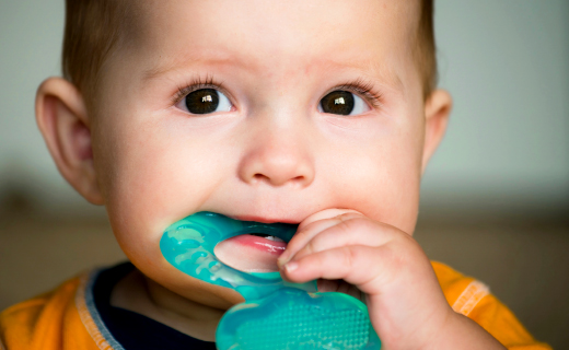dca-blog_article-37_babys-first-teeth