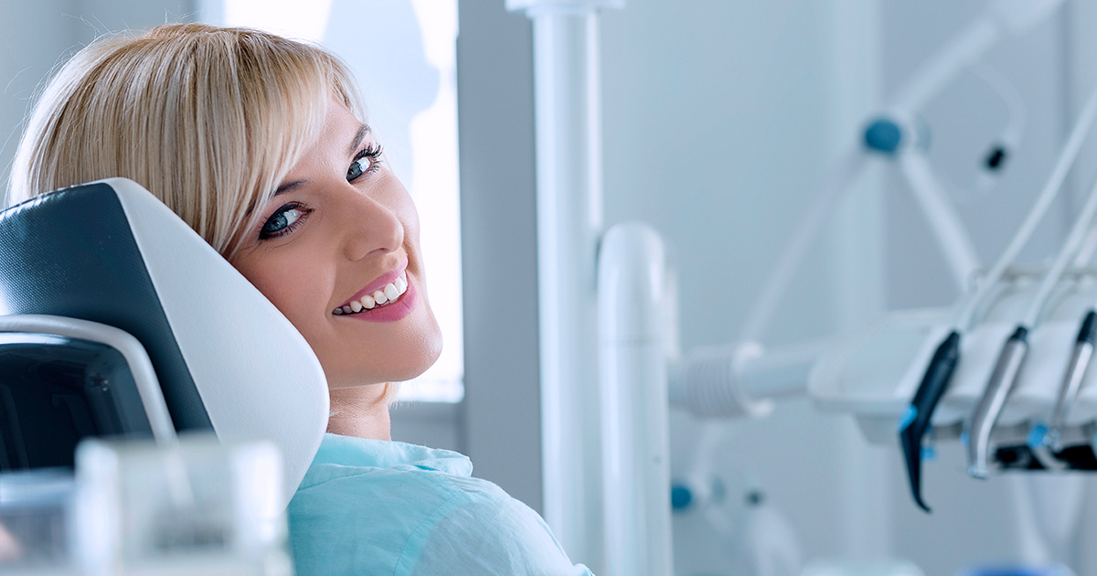 dca-blog_article-46_dental-implant-dentist_1200x630